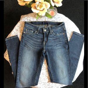 NWOT Levi's 535 Leggings Dark Wash Blue Jean